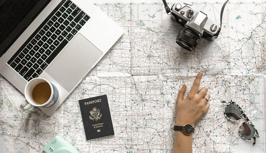 Liburan ke luar negeri bisa menggunakan aplikasi translate.